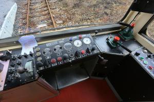 VR2B7103